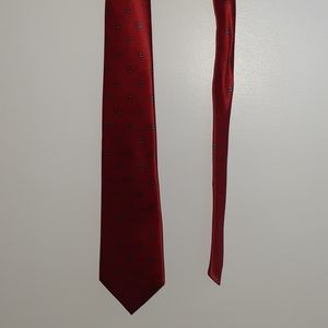 Red Christian Dior silk tie